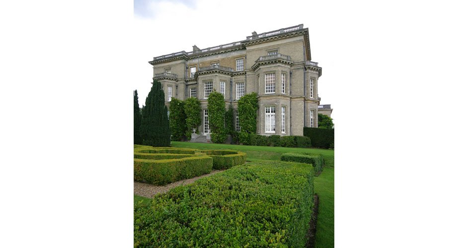 Hedsor manor exterior with green shrubbery